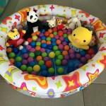 自宅で遊べる子供用ボールプールを作りました。