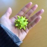 集中力が高まる!手のツボをほどよく刺激するマッサージグッズがいい感じ。