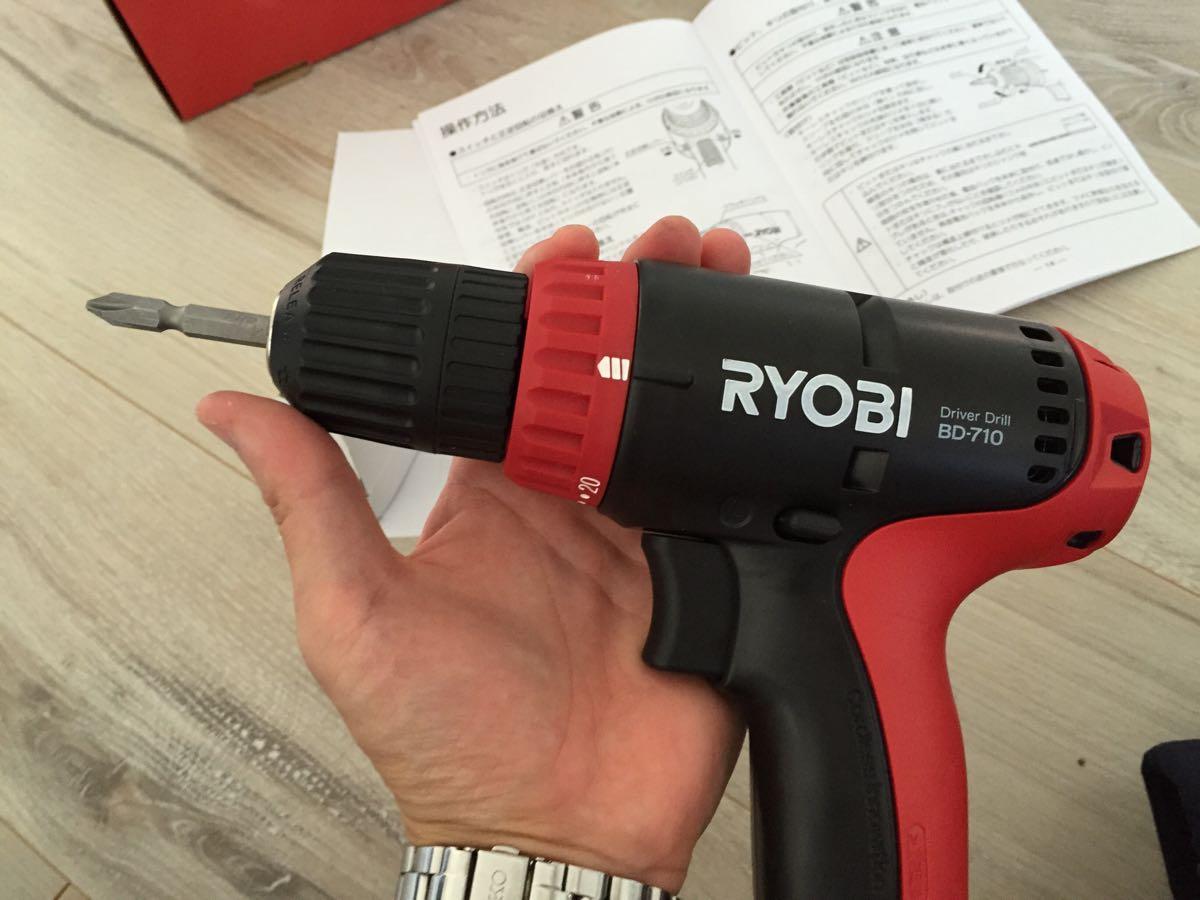 手頃な電動ドリル「RYOBI充電式ドライバドリルBD-710」