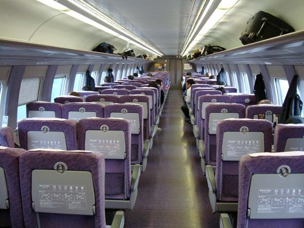 僕の新幹線に乗る時の座席の選び方のポイントとまとめ(出張サラリーマン向け)