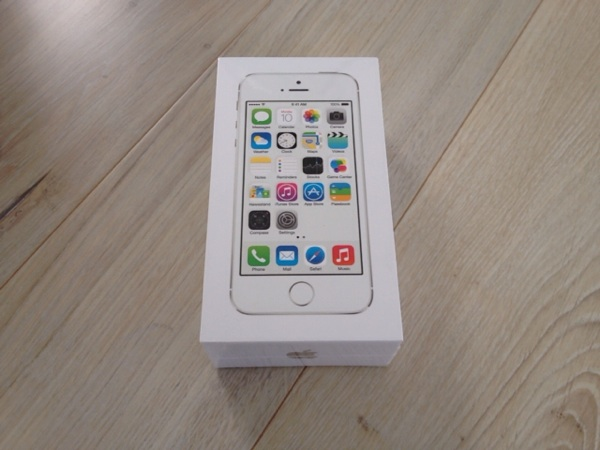 iPhone5sシルバー