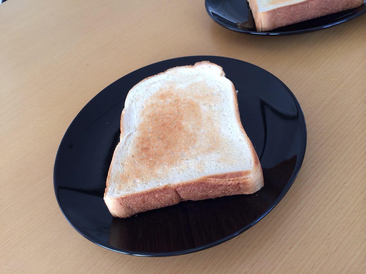 金の食パンでのトースト