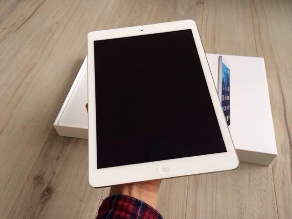 iPad Airは軽い