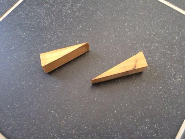支柱の固定材木