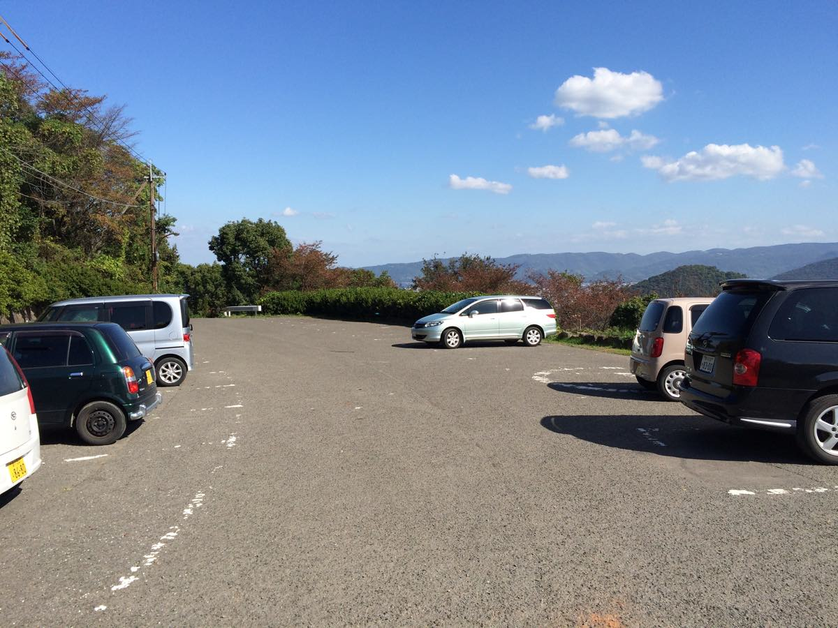瀬戸大橋を眺めれる青の山山頂展望台までの道のり