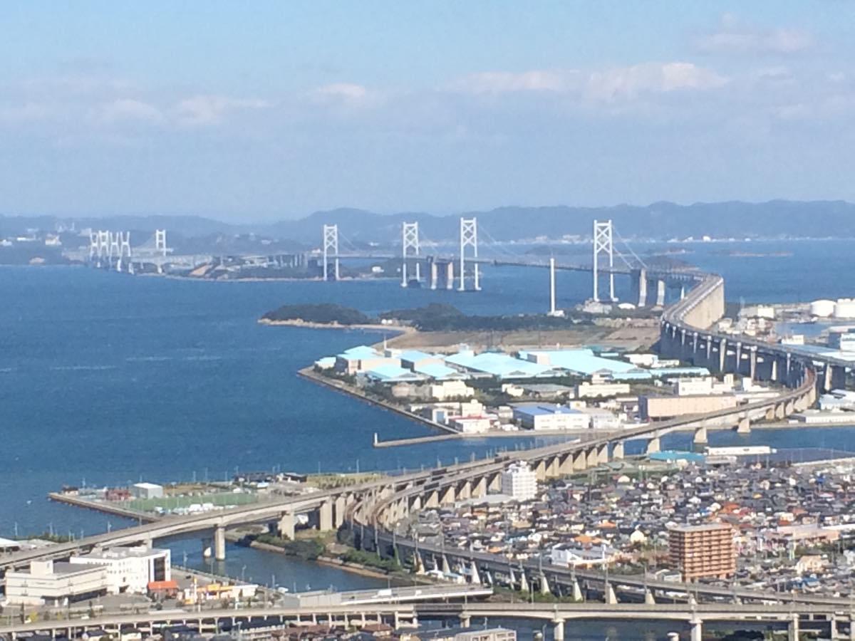 瀬戸大橋を眺めれる青の山山頂展望台