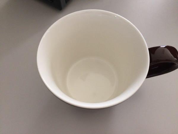 オフィス用に買った北欧カラーのシンプルなマグカップ