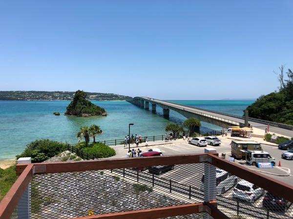 沖縄県の絶景スポット 古宇利大橋と青い海がキレイで最高すぎた件。