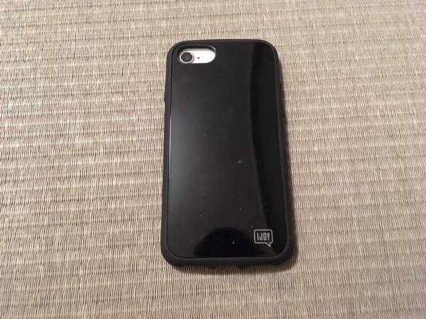 手帳型iPhoneケースをやめて、衝撃に強く、シンプルなデザインのiPhoneケースを探して「IJOY」を購入しました。