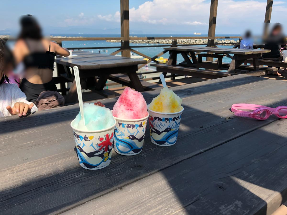 「アオアヲナルトリゾート」の海のビーチで食べれるかき氷