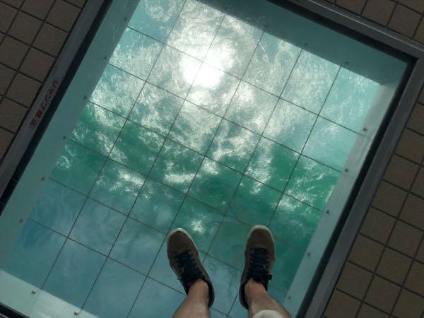 大鳴門橋「渦の道」のガラス床
