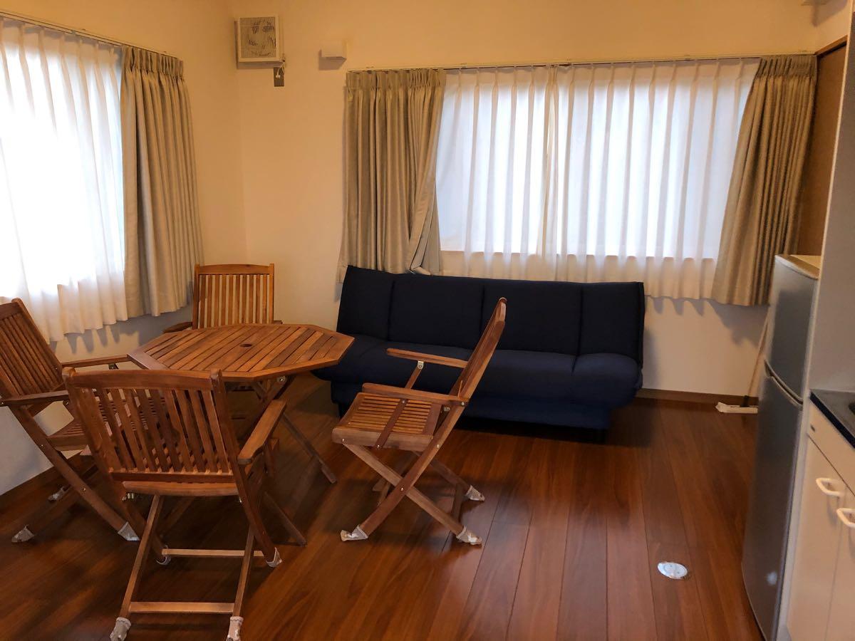 【岡山のキャンプ場」吉井竜天オートキャンプ場のコテージの室内風景